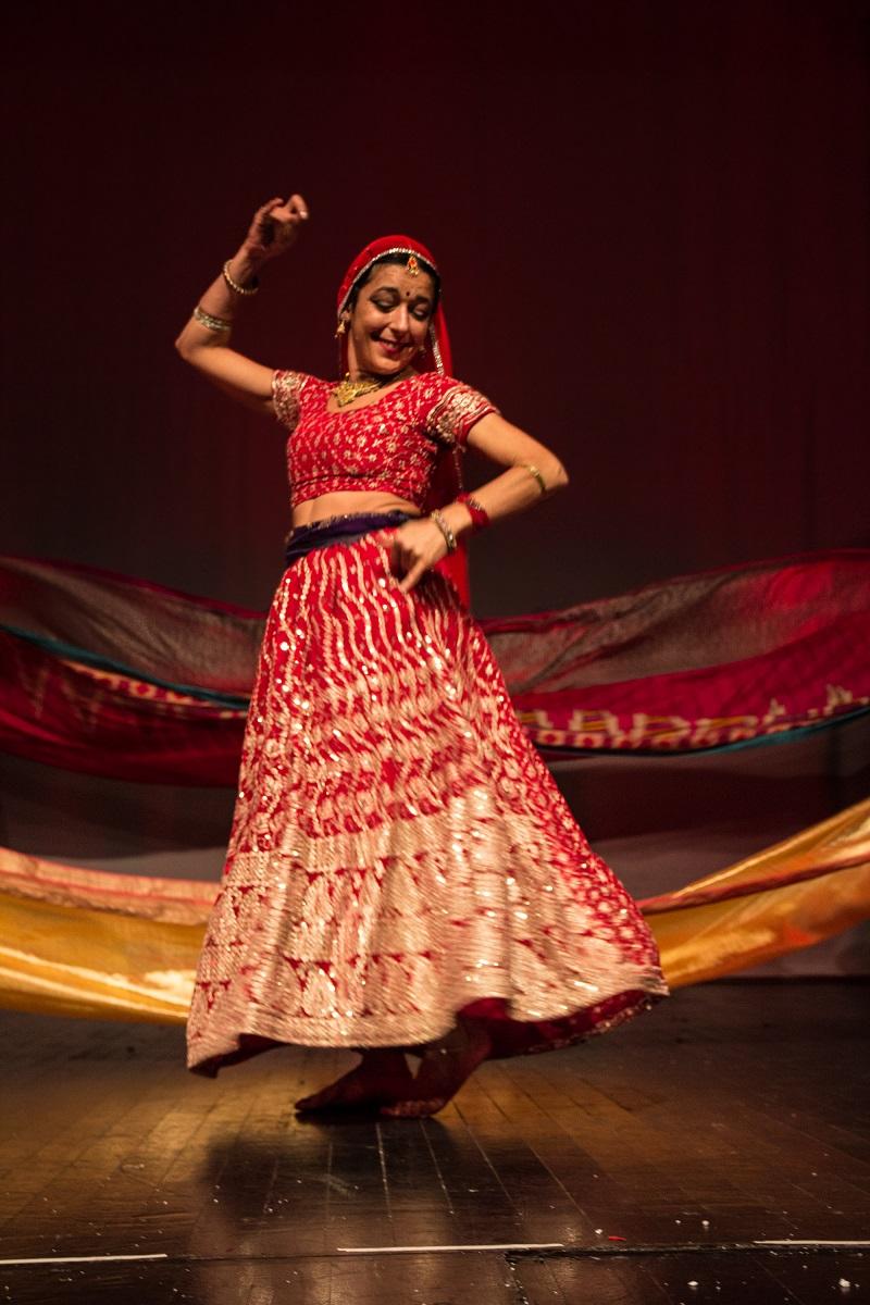 Παρουσίαση Ινδικού Χορού στη HELEXPO Διευθνή Έκθεση Θεσσαλονίκης